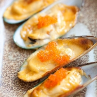 Cheese-Mayo Baked Mussels (Mussels Dynamite) - Easy Recipes at RasaMalaysia.com