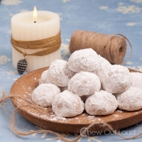 Snowball Cookies (Russian Tea Cakes) - Chew Out Loud
