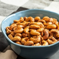 Curry Roasted Cashews - Chew Out Loud