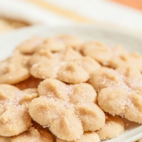 Lemony Butter Spritz Cookies - Chew Out Loud