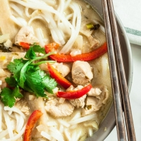 Thai Green Curry Noodles - Chew Out Loud