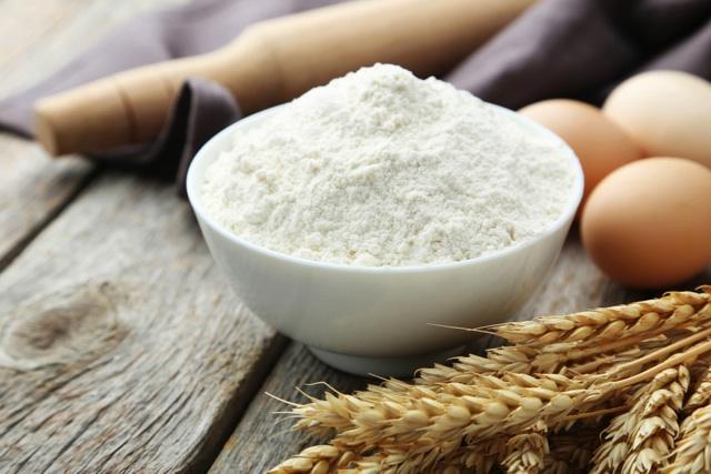 小麦粉とバターでとろみをつける