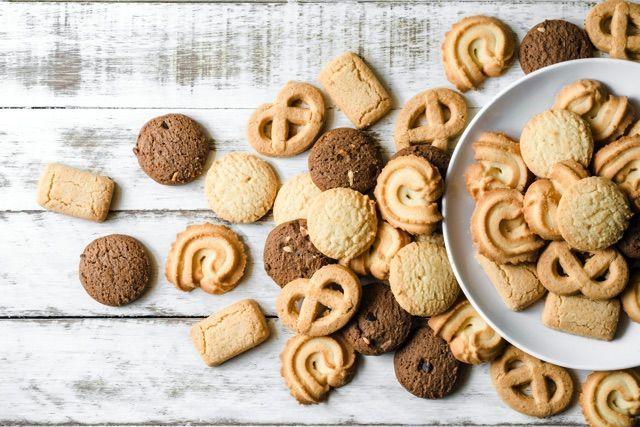 デメルにエシレも!手土産で喜ばれる「クッキー缶」5選の画像