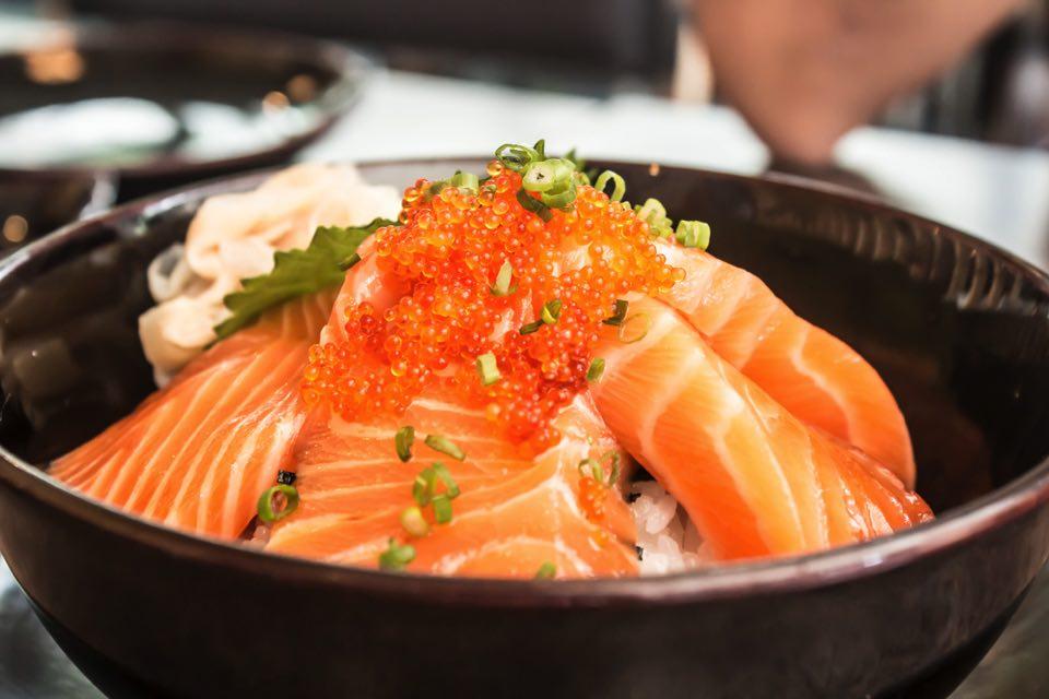 海鮮丼をもっとおいしく!人気レシピ10選