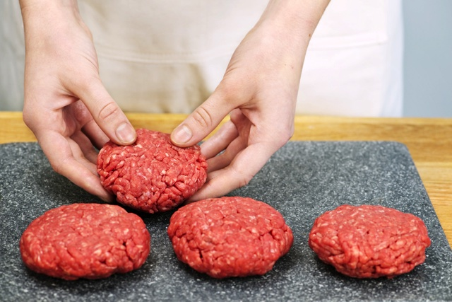 みんな大好きなハンバーグをお弁当に♪