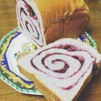 濃厚ふわふわ♩那須「ペニーレイン」のブルーベリーブレッドはパン好き必食!