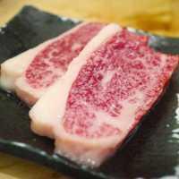 A5ランクを格安で!立ち食い焼肉店「治郎丸」で高級肉を喰らおう!
