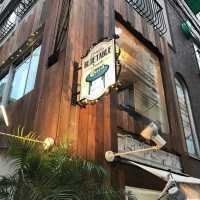 【自由が丘】ワンちゃんと一緒にくつろぎ空間♪ドッグカフェ『6』選