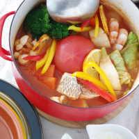 洋風お鍋でぽっかぽか。「トマト鍋」の具材アイデア総まとめ