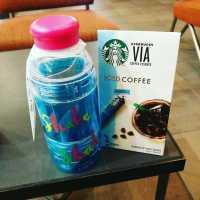 ふるだけで泡あわ♩スタバ新作「シェイカーボトル」でコーヒーをもっとおいしく!