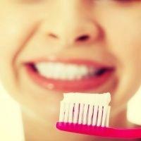 今すぐ始めたい★歯を綺麗に保つために気を付けるべき事って?