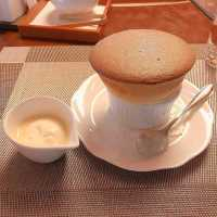 ふわっふわに感動!京都「六盛茶庭」の絶品スフレを味わおう