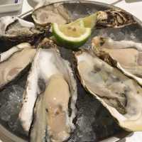 牡蠣食べ放題ランチあり!梅田周辺のオイスターバー6選!