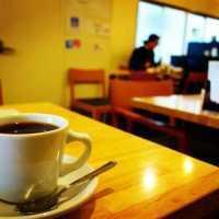大阪肥後橋「ピークローストコーヒー」は、こだわりの自家焙煎コーヒーのお店