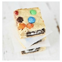 M&M Oreo Cookie Bars | Easy Delicious Recipes: Rasa Malaysia