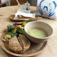 栄養満点プレート♩長野・松本の「ラボラトリオ」でヘルシーランチを!