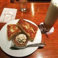 新宿「カフェ アリヤ」のフレンチトーストが食べたい!ふわもちでとろける〜♡