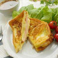 ハムもチーズも合いすぎる♩「コーンポタージュフレンチトースト」はカンタンおいしい魔法の朝食