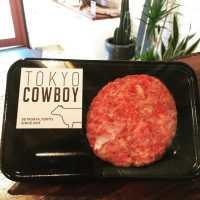 肉好き必見。用賀「トーキョーカウボーイ」はカフェのような精肉店?!