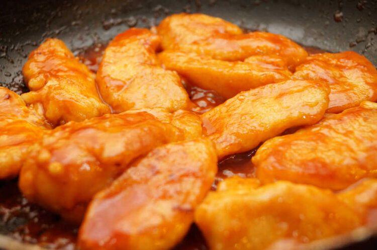 ピリリと辛うま!『鶏胸肉のチリソース炒め』でお手ごろ本格中華♩の画像