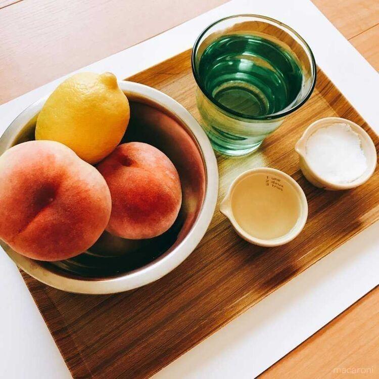 桃のコンポートの材料