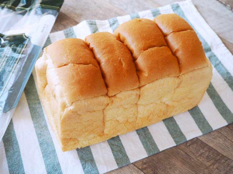 袋から出した「イギリス食パン」